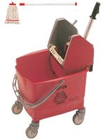 Seau essoreur Kentucky Rubbermaid rouge avec balai serpièrre Mob