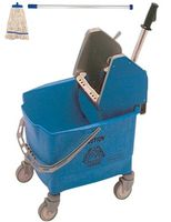 Rubbermaid Eimer und Moppresse blau mit Kentucky Mopp blau und Kentucky Besenstiel blau