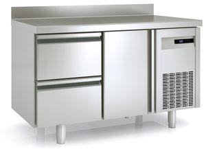 Tiefkühltisch Premium 1/2 mit Aufkantung