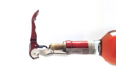 Couteau de sommelier «Pullta» avec un manche en métal 1 sur carte de ski