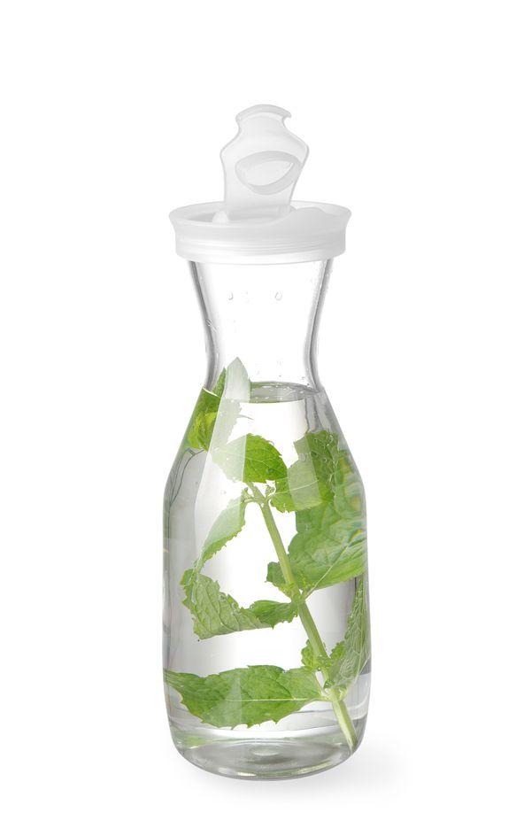 Karaffe SAN Plastic - Deckel mit Schenkklappe - 1 L
