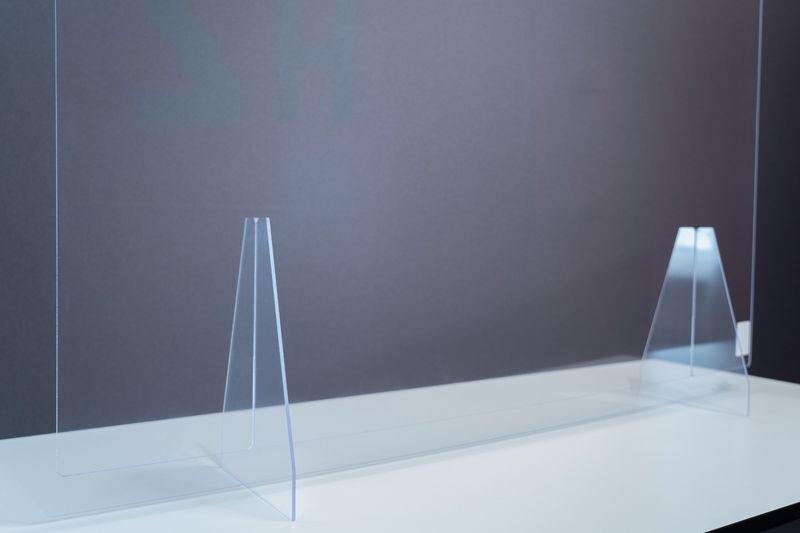 Trilux Hygiene-Schutzwand 1200x800 mit Standfüßen